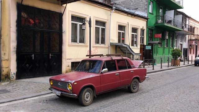 calle soviética batumi coche