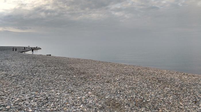 playa de rocas en el mar Negro